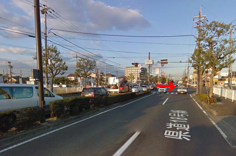矢橋中央の道を右に。