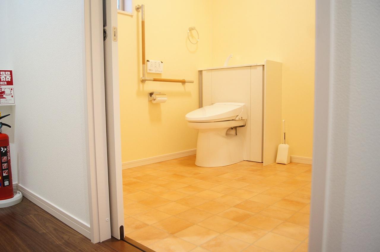 バリアフリー仕様のトイレです。