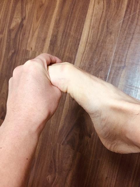 整体ストレッチ 足の指4